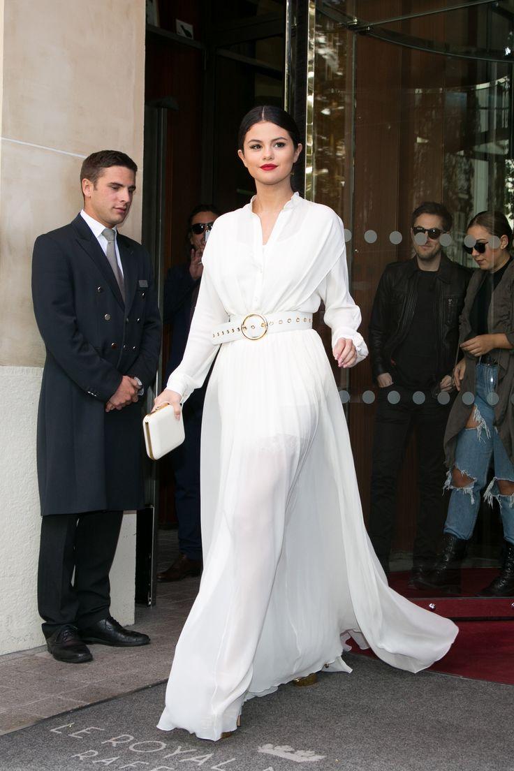 Selena Gomez in Elie Saab Resort, 2016 / Paris.