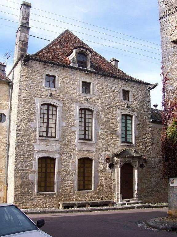 Flnez sans la ville fortifie de langres qui a vu natre for Chaumont haute marne