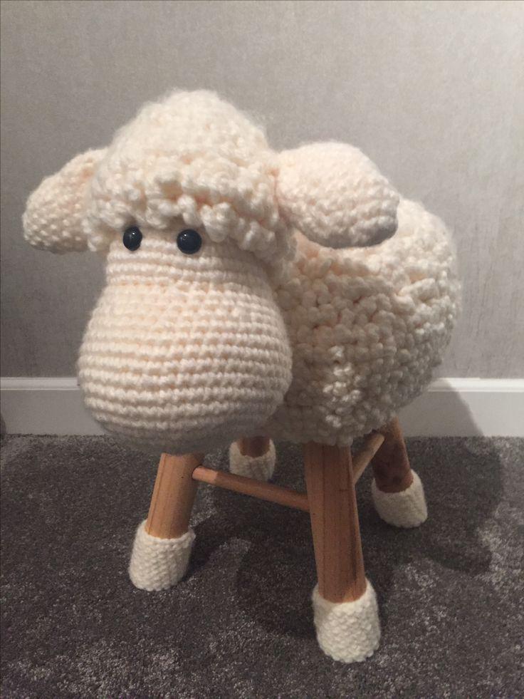 Handmade schaap krukje ! Patroon 'hobbeldieren'