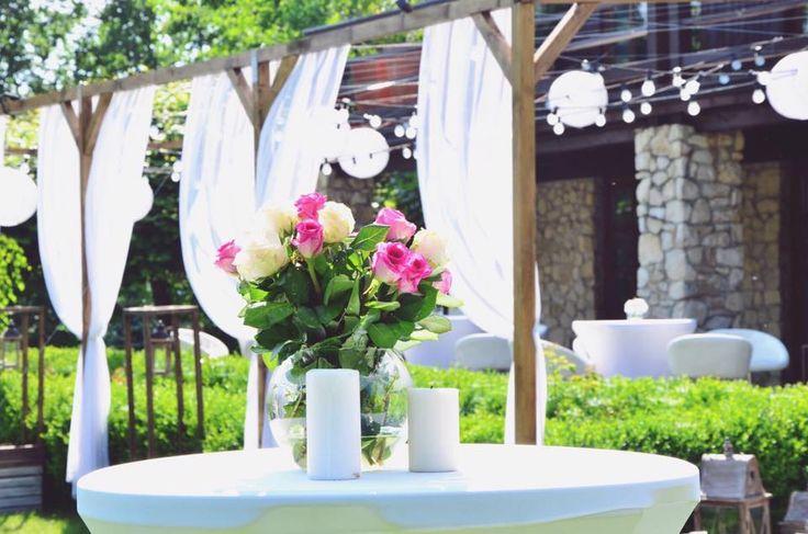 Dekoracje w ogrodzie - Dwór w Tomaszowicach / wedding decoration in Tomaszowice Manor/Poland.  Dekoracje/decorations: www.margaritta.pl #dwortomaszowice #tomaszowice / www.dwor.pl