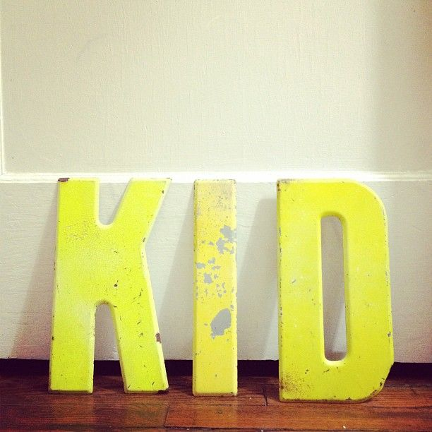 LOVING @Smile and Wave's yellow color palette of thrift finds. :): Waves Yellow, Finding Kidsroom, Vintage Letters, Kids Allowed, Neon Letters, Vintage Metals, Yellow Colors Palettes, Kids Rooms, Metals Letters