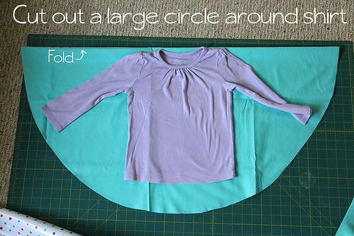 Circle Poncho tute (with hood, using an existing shirt as a pattern)