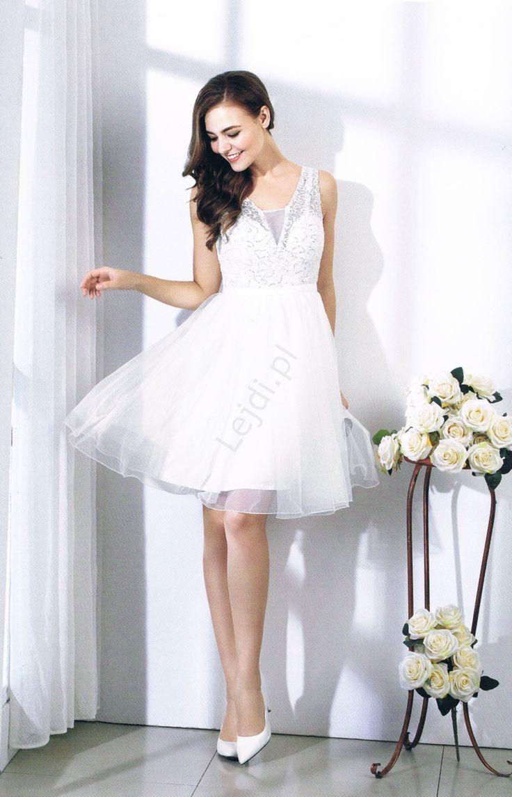 Biała sukienka z siatkową koronka przetykana cekinami. White dress with sequines and lace. www.lejdi.pl