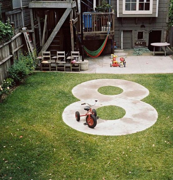 Figure 8 bike path for kids. Genius.