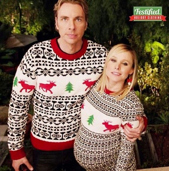 Kristen Bell and Dax Sherpard wear matching Christmas sweaters in their family selfie // via @imkristenbell