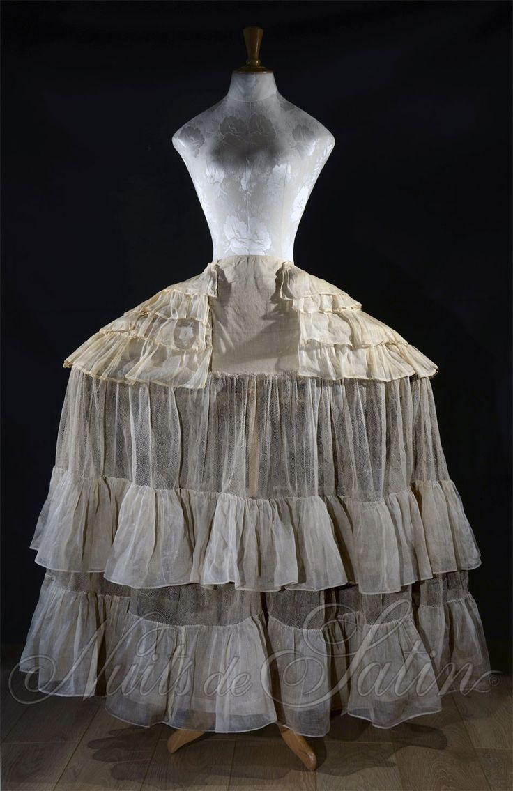 Paniers- 1730-1760s