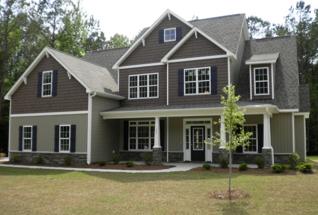 Holly Springs ***** 4 bedrooms (1 master, one MIL suite, 2