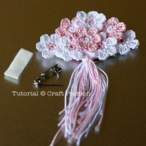 This is a nice site with tutorials!  This would be a unique and cherishable gift for the mothers of the bride and groom, bridesmaids...etc.....: Brooch Pattern, Crochet Flower, Free Pattern, Bridesmaids Etc, Cherishable Gift, Groom, Cherished Gift