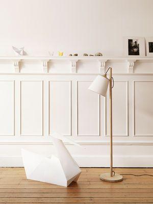 Pull lamp Floor lamp Light wood / white lampshade by Muuto