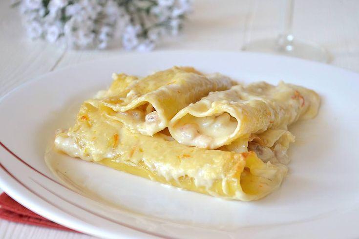 I cannelloni di pesce sono dei cannelloni in bianco, da preparare per un pranzo delicato e raffinato. Io ho optato per un ripieno fatto con tocchetti di