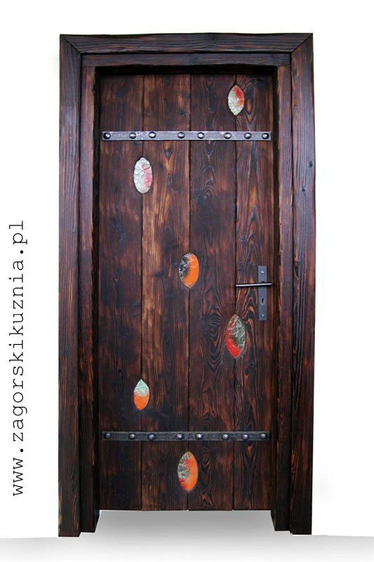 Wooden door with fusing glass handmade by www.zagorskikuznia.pl.