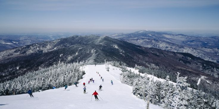 While the western half of the United States often gets credited with having the country's best ski resorts, the East Coast has no shortage of mountains where skiers and snowboarders can hit the slopes. Throughout New England and the Mid-Atlantic, doz...