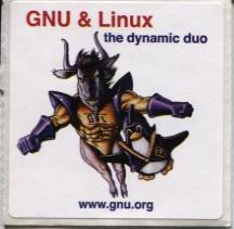 "Abțibildul FSF ""GNU, the dynamic duo"" http://www.gnu.org"