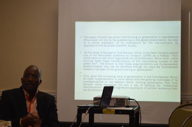 Profesor Maguemati Wabgou, especialista en estudios interculturales