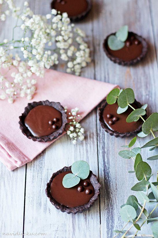 Salted Caramel Chocolate Tartlets / Tartaletky se slaným karamelem a čokoládou | Na vidličku food blog