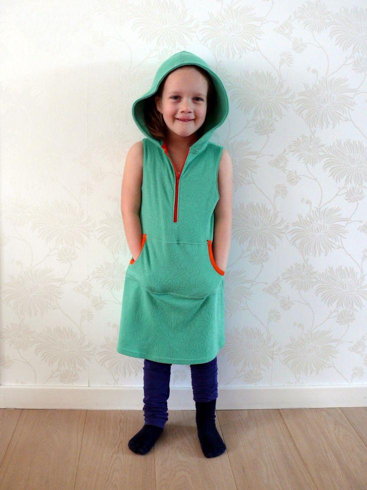 Hoodie dress for girls - free pattern