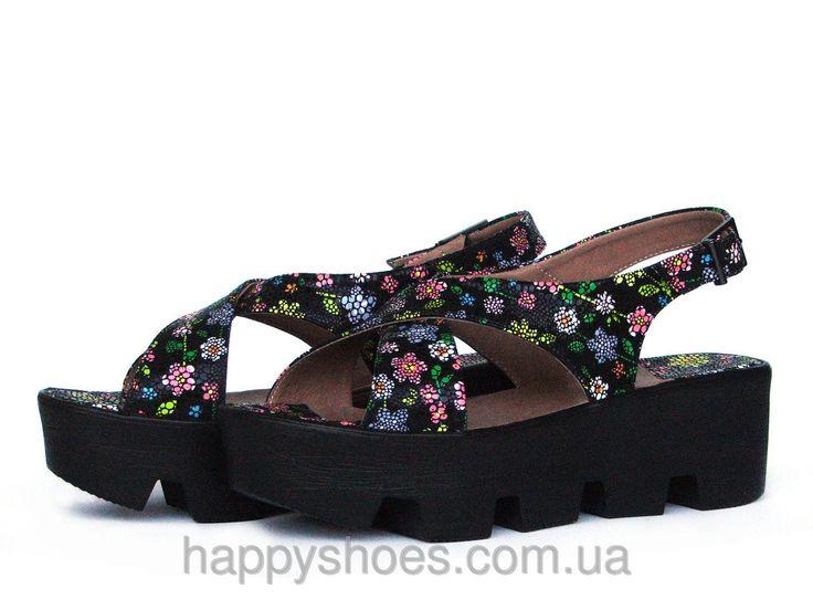 """Черные кожаные сандалии с цветочным принтом на тракторной подошве: продажа, цена в Запорожье. босоножки и сабо женские от """"HappyShoes"""" - 259165133"""