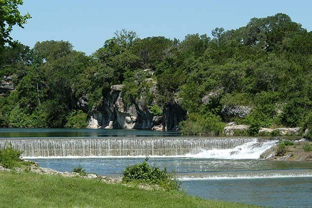 Blue Hole Park in Georgetown, TX - https://www.realtyaustin.com/austin-swimming-holes.php#3
