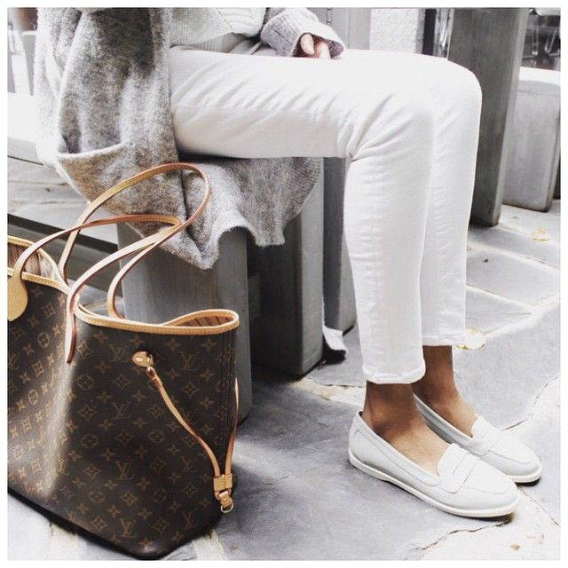 #love love love this all neutral look, make sure you head over to @novoshoes for your chance to win 4 of your fave Novo looks #inhernovoshoes #VYDIAxNOVO