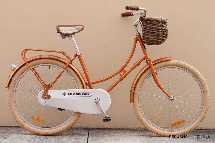 Le Creuset bike!: Lecreuset, Kind Bike, Cool Bikes, Creuset Bike, Flames Colors, Orange Bike, Creuset Bicycle, Awesome Bike, Vintage Bicycle