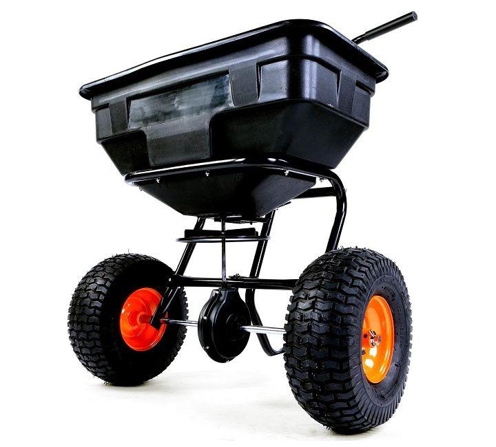 Rozmetadlo – posypový vozík FX GS56 - kvalitní tlačený rozmetač, který využijete v zimě pro posyp solí nebo štěrkem a v létě při péči o trávník – hnojiva nebo semena. Variabilní šířka posypu až do 3,65 m, opravdu velká nádoba s objemem 56 l.