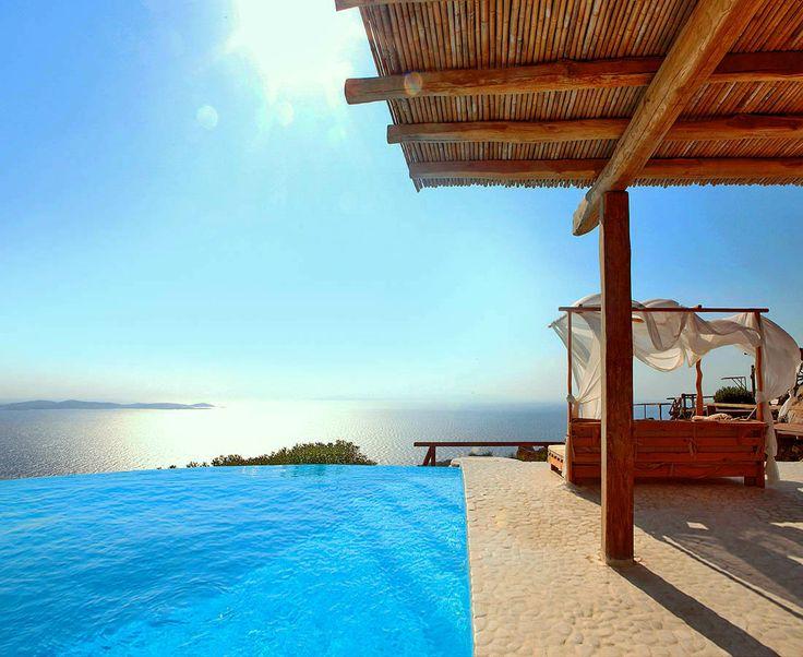 Bellona Villa Pool