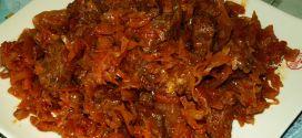 Капуста, жаренная с чесноком! Очень полезное, простое и вкусное блюдо жаренная капуста с чесноком. Это блюдо порадует на обыденном и на праздничном столе
