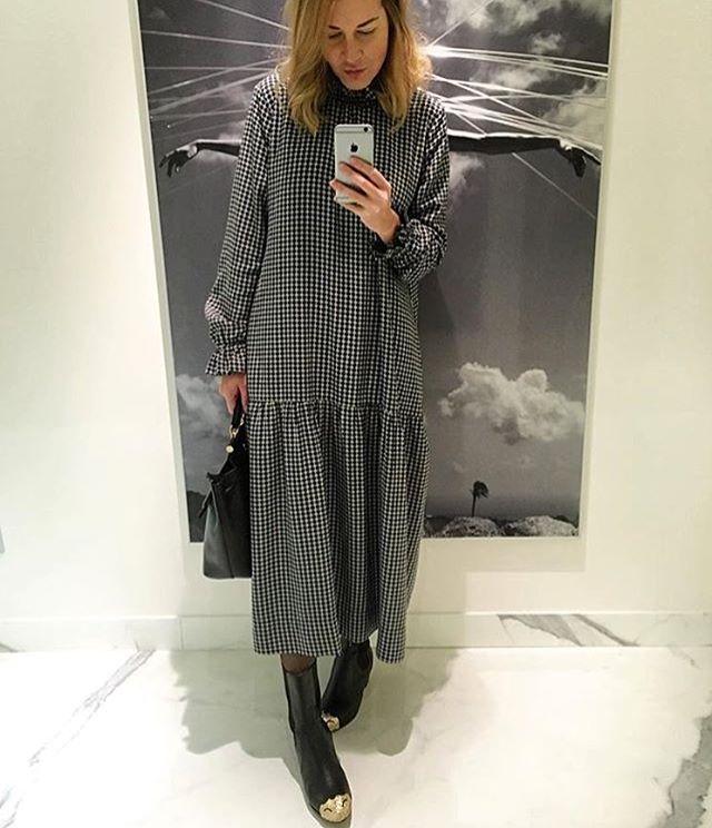 Наша @jruban ❤️❤️❤️ в платье с воланом из хлопка на подкладе в мелкий цветочек Пожалуйста все вопросы в WhatsApp +7 (925) 756-66-52 и по телефону +7 (925) 828-22-67☎Делайте покупки на сайте www.peforgirls.ru ☑#peforgirls