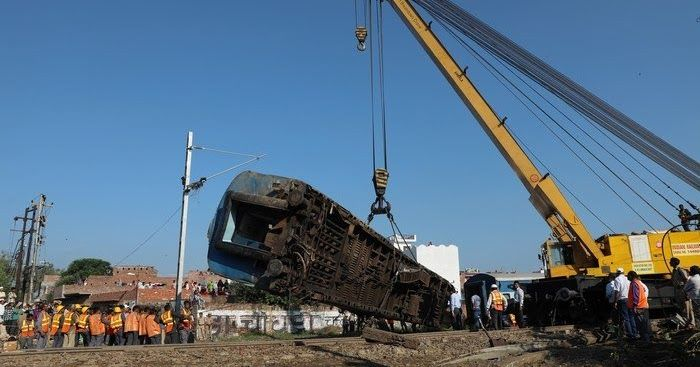 Ινδία: Εκτροχιάστηκε τρένο με 14 βαγόνια - 25 νεκροί και τουλάχιστον 70 τραυματίες (φωτό)