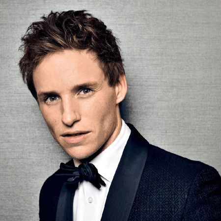 Eddie Redmayne wiki, affair, married, Gay with age, height