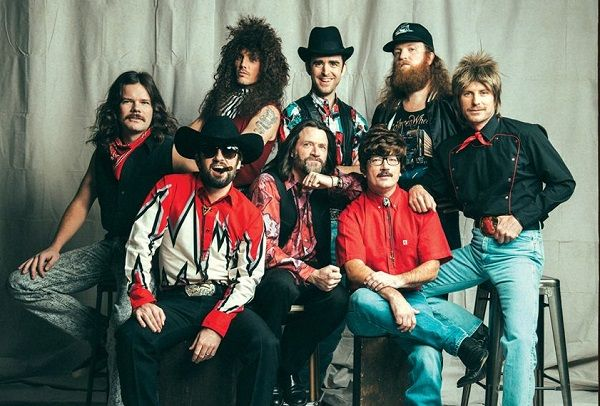 5 Reasons Why Hot Country Knights Was The Greatest Country Band Of The '90s