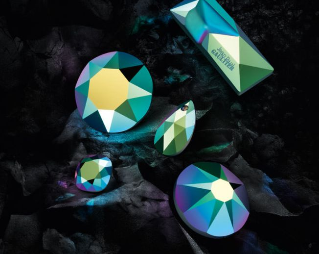 New Swarovski Crystal Colors and Effects Fall Winter 2016-17 Innovations Crystal Scarabaeus Green