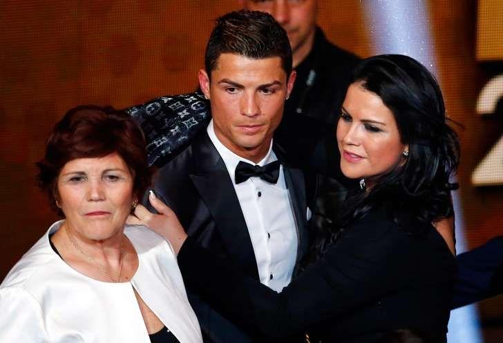"La hermana de Cristiano atiza a Piqué: ""¿Hará hoy Periscope?"""