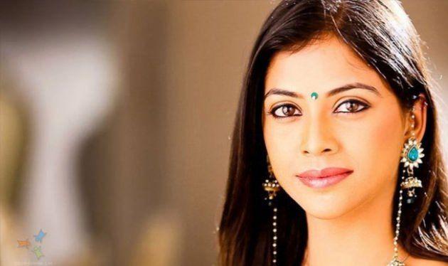 Bir Garip Aşk Dizisi Oyuncu Kadrosu Biyografileri -Deepali Pansare kimdir?  Doğum: 3 Temmuz 1984 (31 yaşında), Nashik, Hindistan Eşi: Suveer Safaya (e. 2014) TV şovları: Is Pyaar Ko Kya Naam Doon?