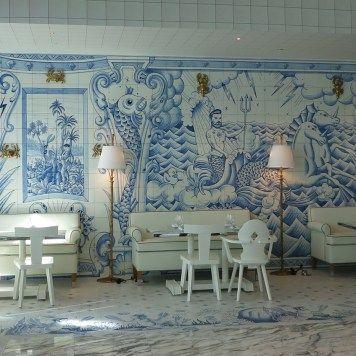 bazaarmar_01 Hotel SLS Brickell en Miami (USA) donde se encuentra el restaurante, Bazaar Mar by José Andrés, decorado por el diseñador Philippe Starck y que destaca por el uso de azulejería artística en todas sus paredes, azulejería que ha desarrollado la empresa Cerámica Artística San Ginés de Talavera de la Reina.