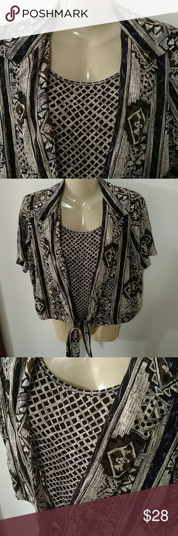 ALFRED DUNNER 2 PIECE TIE FRONT TOP Look of 2 in One Design as Shown Tie Front EXCELLENT CONDITION Alfred Dunner Tops