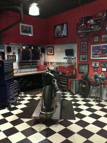 Motorcycle garage garage tablis pinterest for Garage cda chilly
