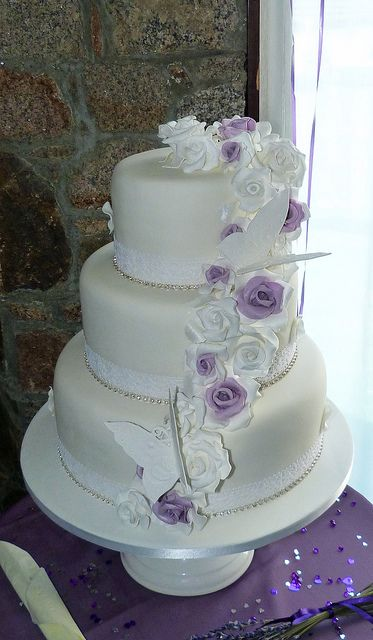 wedding cakes with silver and purple