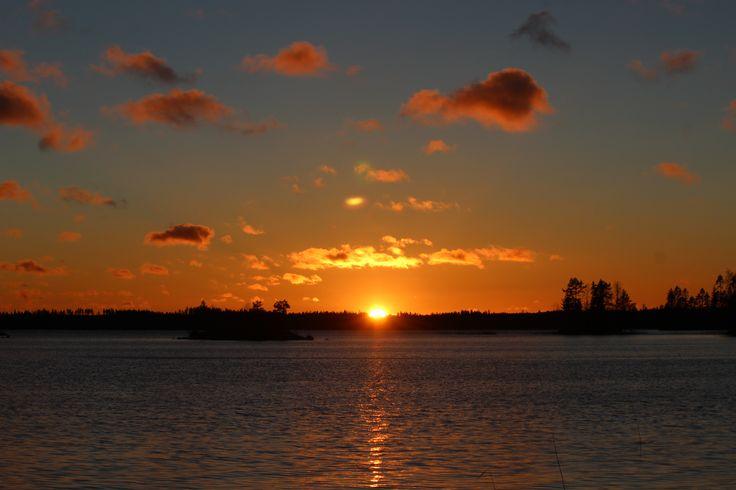 #Sunset #Winter #Auringonlasku #Talvi #mökki #Finland