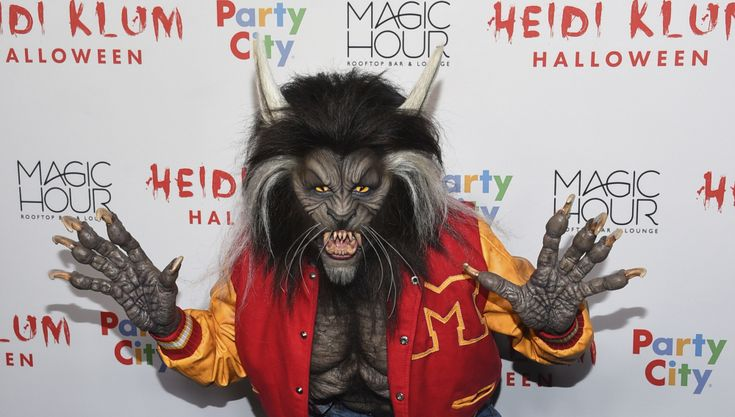 Heidi Klum's Halloween Costume Is an Homage to Michael Jackson  http://www.mjvibe.com/heidi-klums-halloween-costume-is-an-homage-to-michael-jackson/
