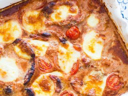 Ugnsgratinerad skinkschnitzel i tomatsås