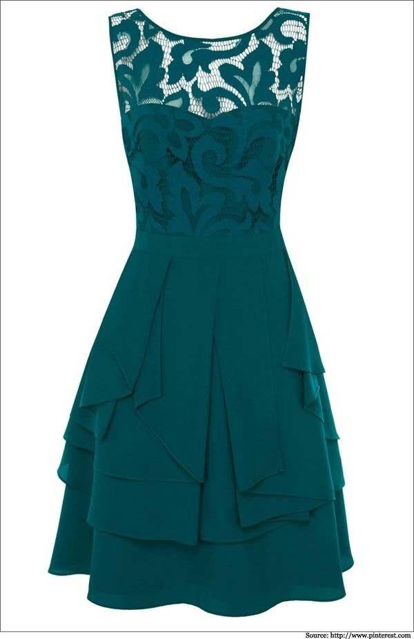 Vestido festa curto verde, camadas tecido fino e forro com renda.