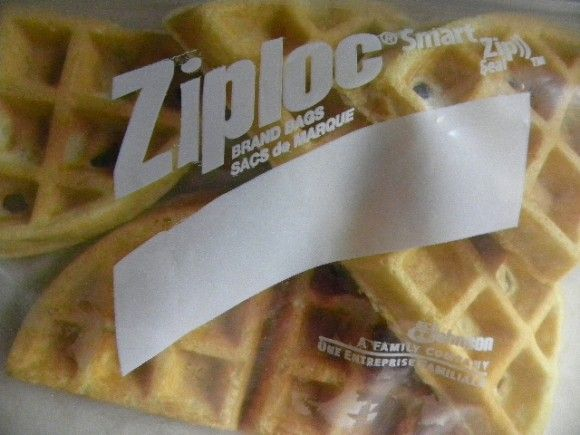 how to make eggo waffles in microwave
