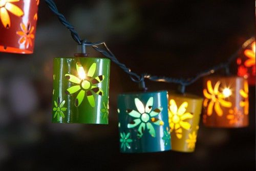patio garden outdoor metal flowers daisy tiki string lights luau