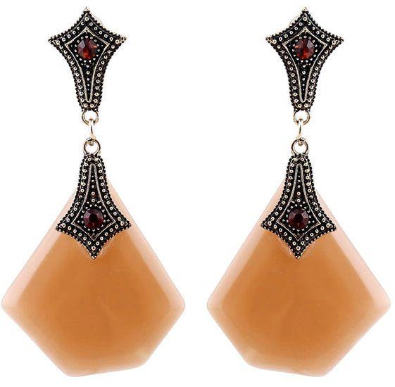 https://www.goedkopesieraden.net/Vintage-oorstekers-met-lichtbruine-hangers-en-stenen