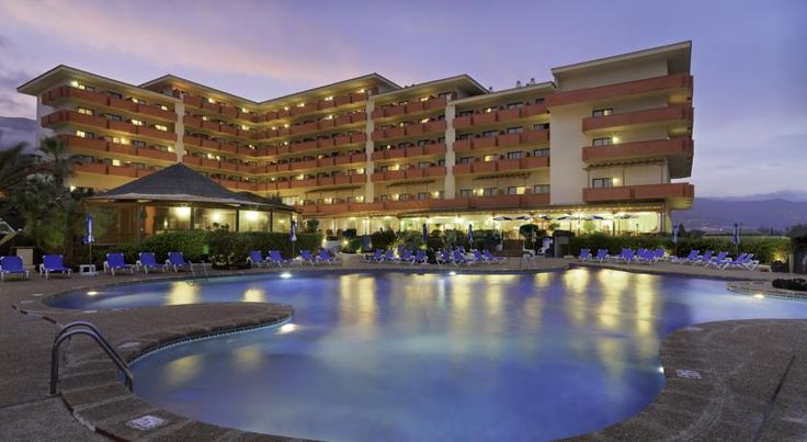 H10 Taburiente Playa Breña Baja Hotel Taburiente Playa is 300 metres from Los Carcajos Beach, on La Palma's east coast. It offers 3 outdoor pools and free parking, as well as a sauna and tennis courts.