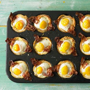 Muffin egg and bacon
