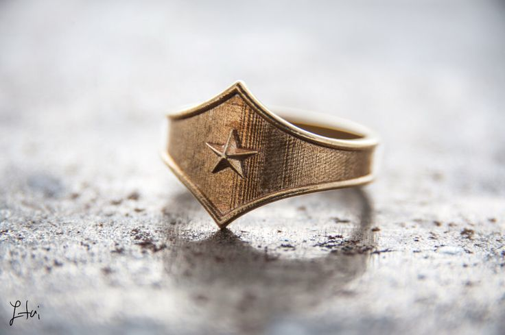 Wonder Woman Tng combat Ring,Wonder Woman tiara,Comics jewelry,super hero jewelry,wonder woman,wonder woman jewelry,super hero jewelry by itailu on Etsy https://www.etsy.com/listing/247525896/wonder-woman-tng-combat-ringwonder-woman