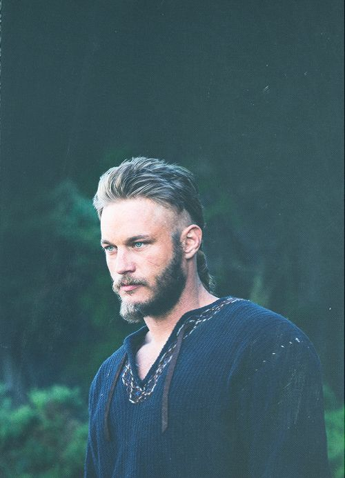 #ragnarlothbrok #vikings Can we just take a minute to appreciate viking beauty.