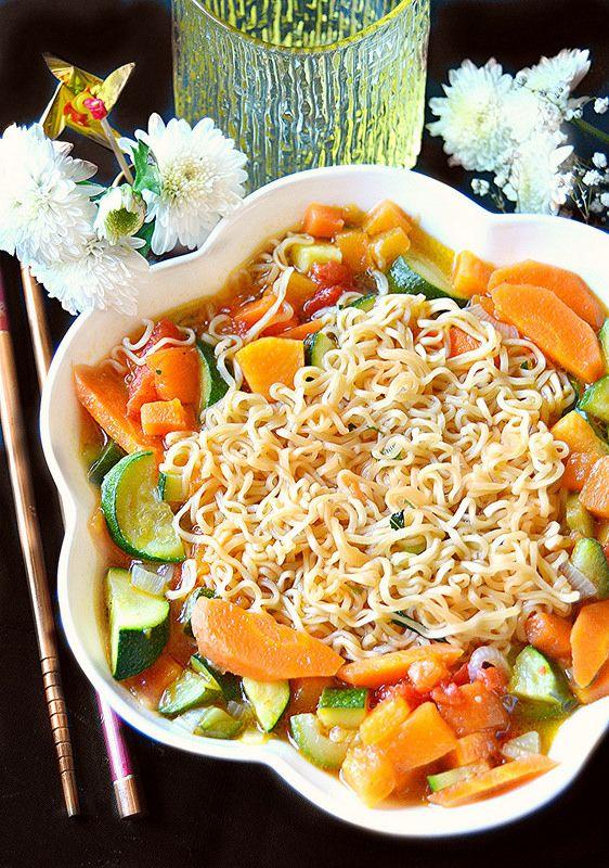 Dolci a go go: Cucine dal mondo-Zuppa di noodles alle verdure